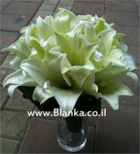white lilies wedding bouquet
